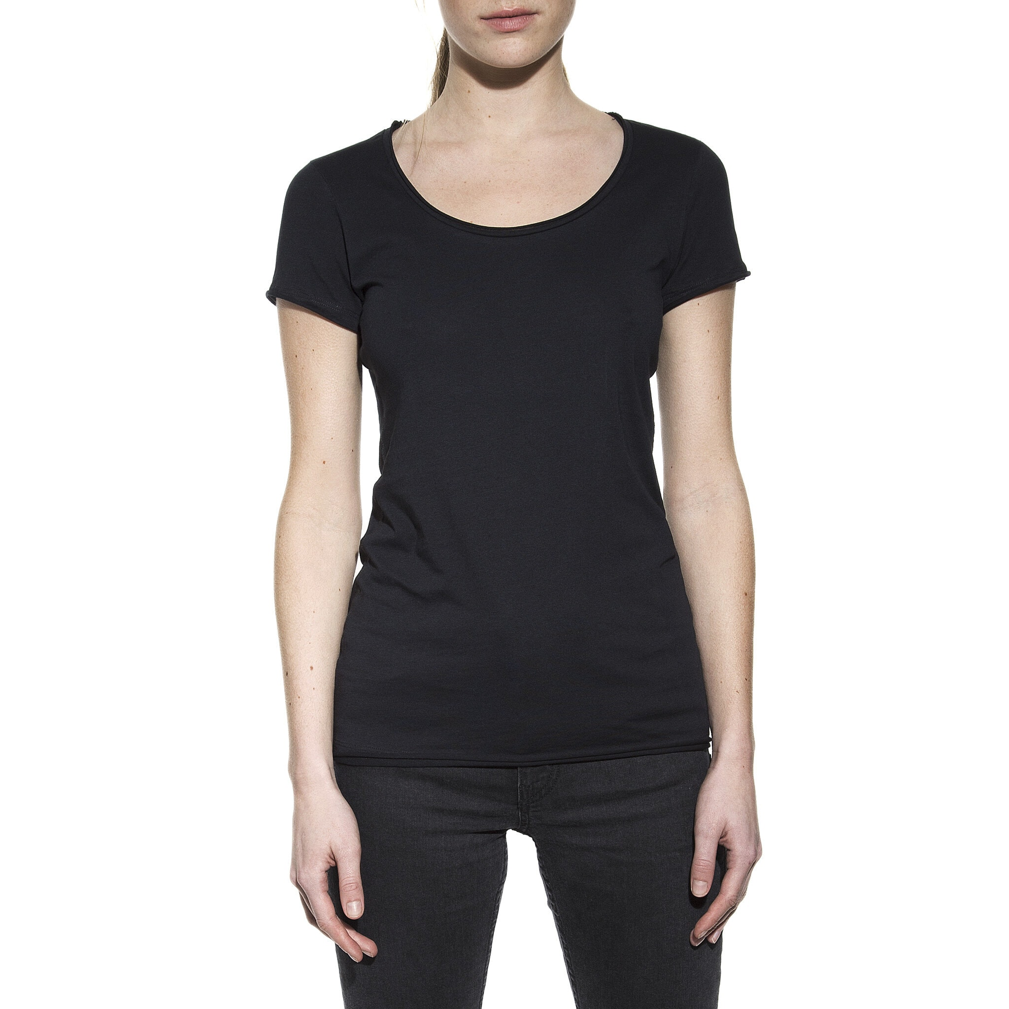 603102_Woman_Crew-Neck_relaxed_black_1